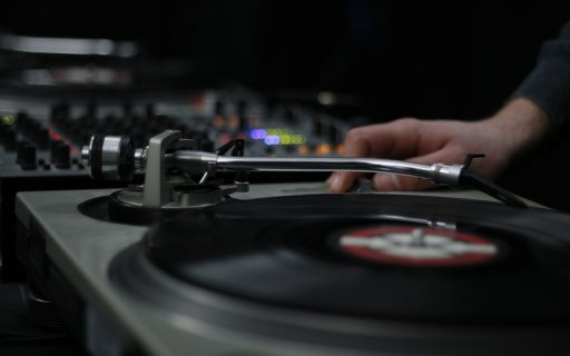 Boogie Nights: l'importanza del web marketing per la scelta della musica per matrimoni